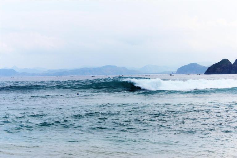 Checkout Best Surf Spots in Lombok